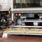 Operating a tail lift safely